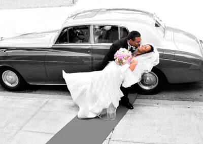 beautiful.wedding.with.car.couple